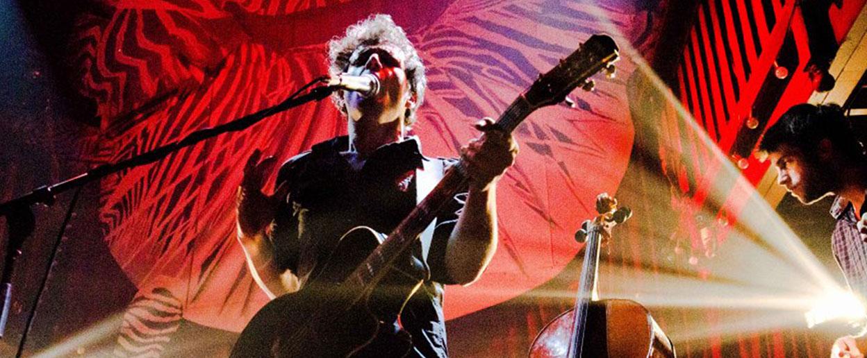 Iaross et des fourmis dans les mains sont en concert à la Scène du Canal le 30 octobre 2014 à 20h